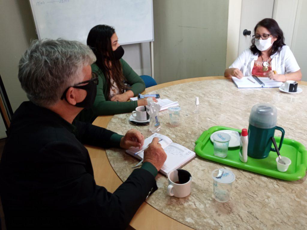 Coordenadora do BPB, Georgina Galvão, recebe o secretário de Porto Velho, Claudi Rocha, e equipe.