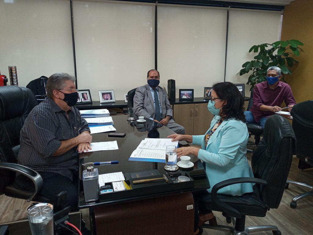 Coordenadora do BPB, Georgina Galvão, reúne com dirigentes do Senai e Sesi.